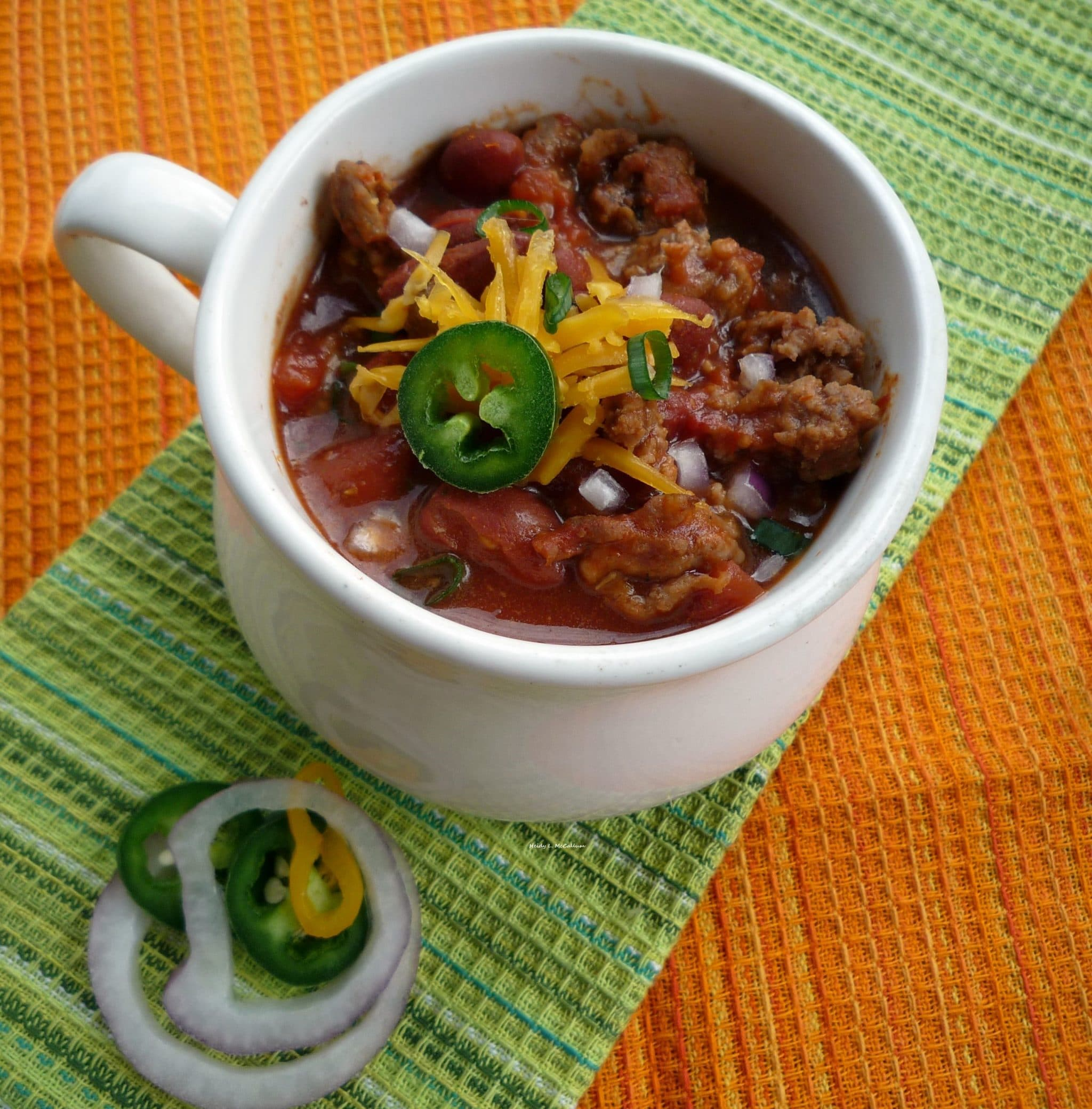 """#Chili Con Carne - In some areas, specifically the American South, versions with beans are referred to as """"chili beans"""" while the term """"chili"""" is reserved for the all-meat dish. Small red beans are commonly used for chili, as are black-eyed peas, kidney beans, great northern beans, or navy beans."""