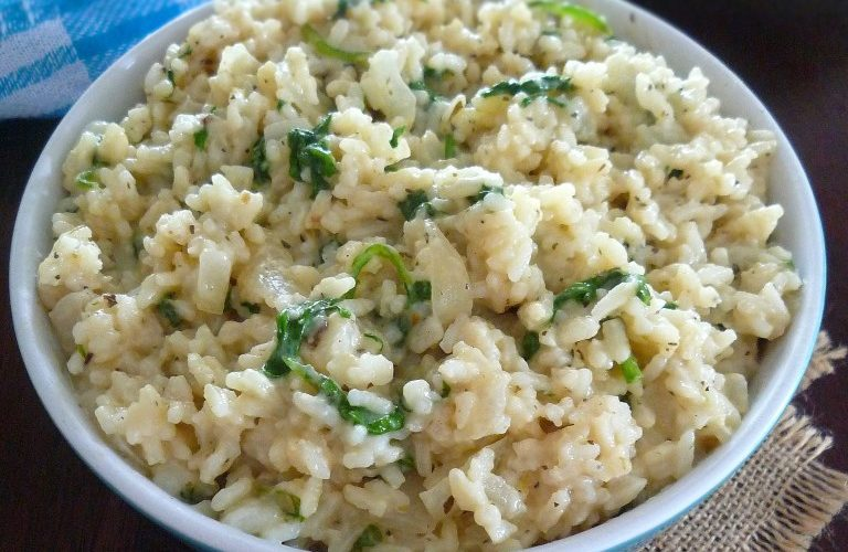 Creamy Cheddar and Spinach Rice