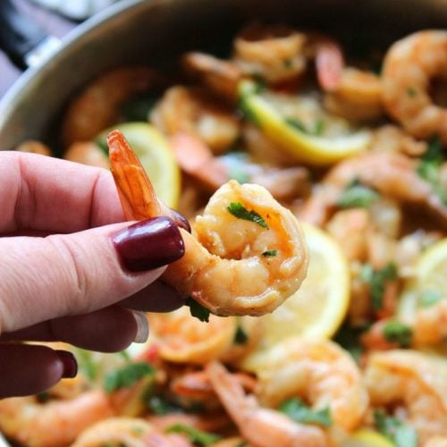 New Orléans Style bbq Shrimp is one of the fabulous historical dishes of New Orléans. Of course, New Orléans Style bbq Shrimp isn't about dumping a bunch of BBQ sauce on chargrilled shrimp.